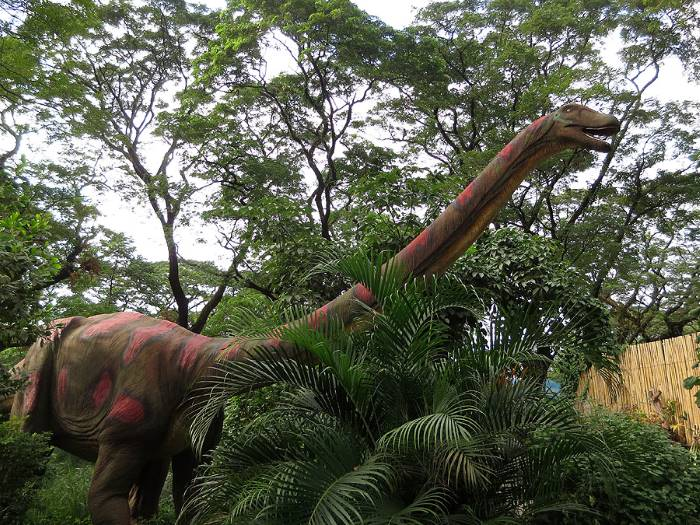 dinosaurs_island_brachiosaurus