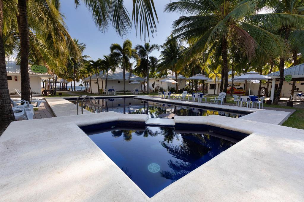 pool_outdoor