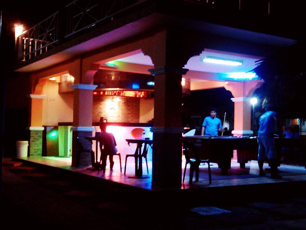 pool_table_function_room