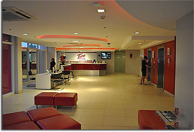 tune_hotel_lobby