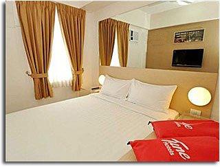 tune_hotel_room