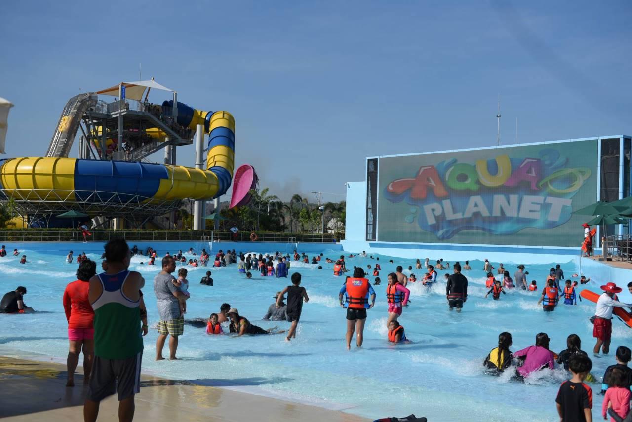 aqua_planet_wave_pool