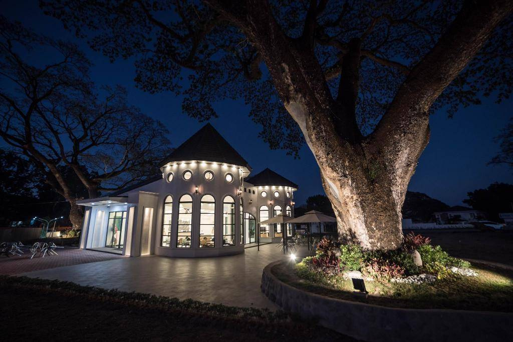 hotel_seoul_clark_outbuilding_night