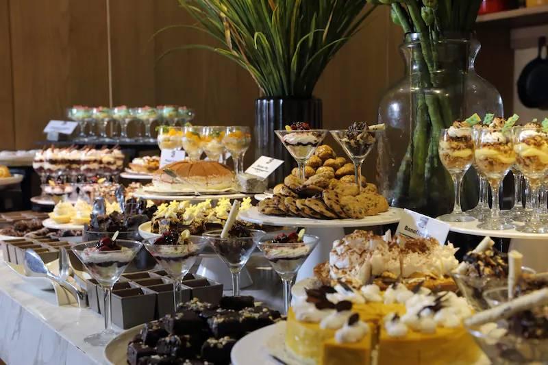 midori_hotel_buffet_food