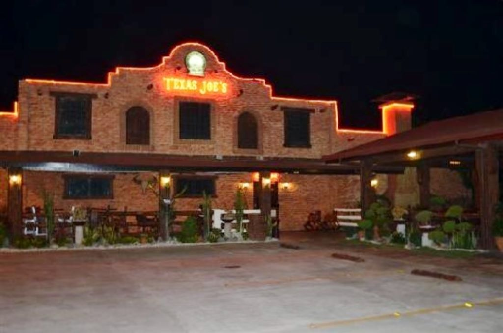 texas_joes_subic_front_night